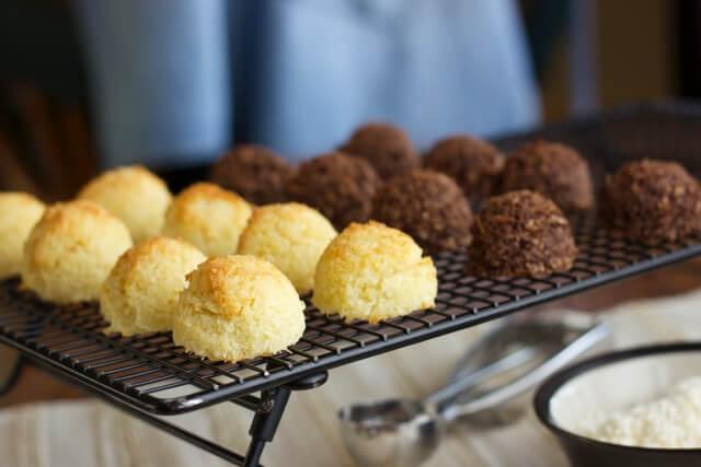 Coconut-Chocolate-Macaroon-Cookies.jpg