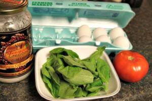 Spinach-Eggs-Over-Tomato