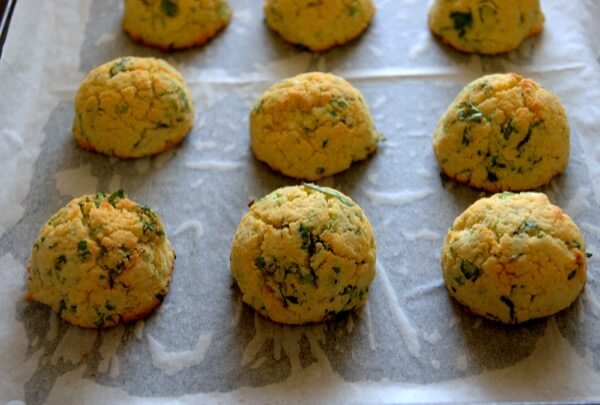 Coconut Biscuit with Scallions and Herb Process Pic