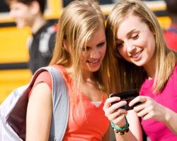 Sexting Stats: 7 Facts You Need to Know