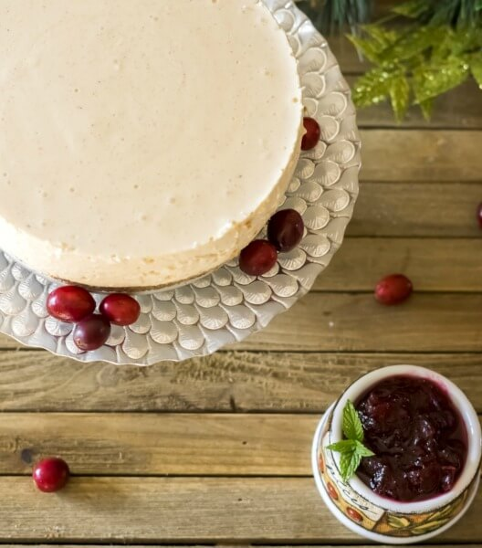 A Beautiful Low-Carb Eggnog Cheesecake