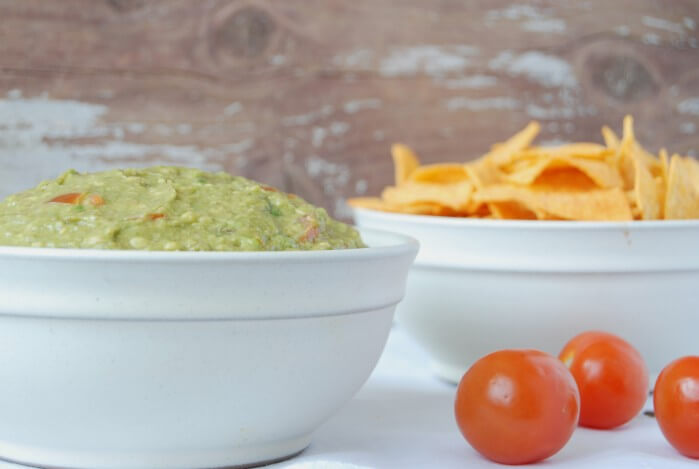 52 Keto Super Bowl Party Foods: Guacamole