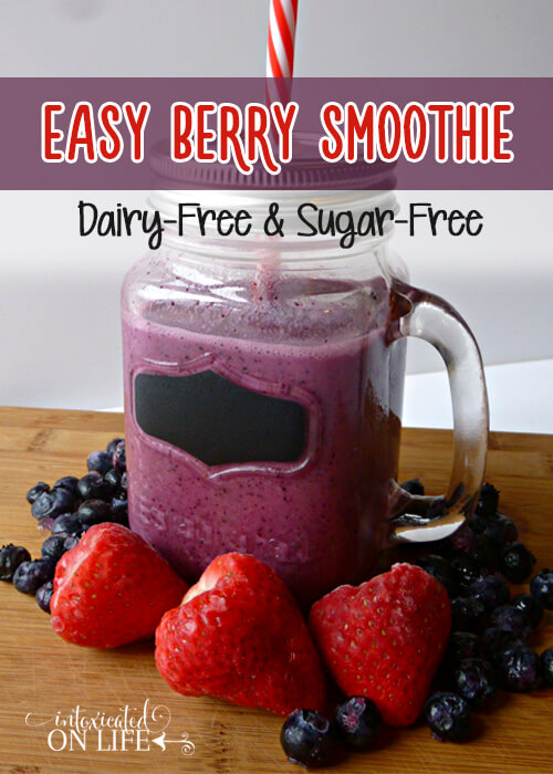 Easy Berry Smoothie (Dairy-Free & Sugar-Free)