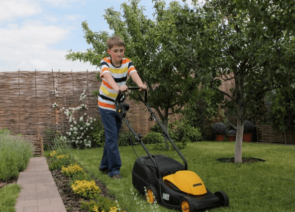 Things Your Kids Can Do to Make Money: Mowing Lawns